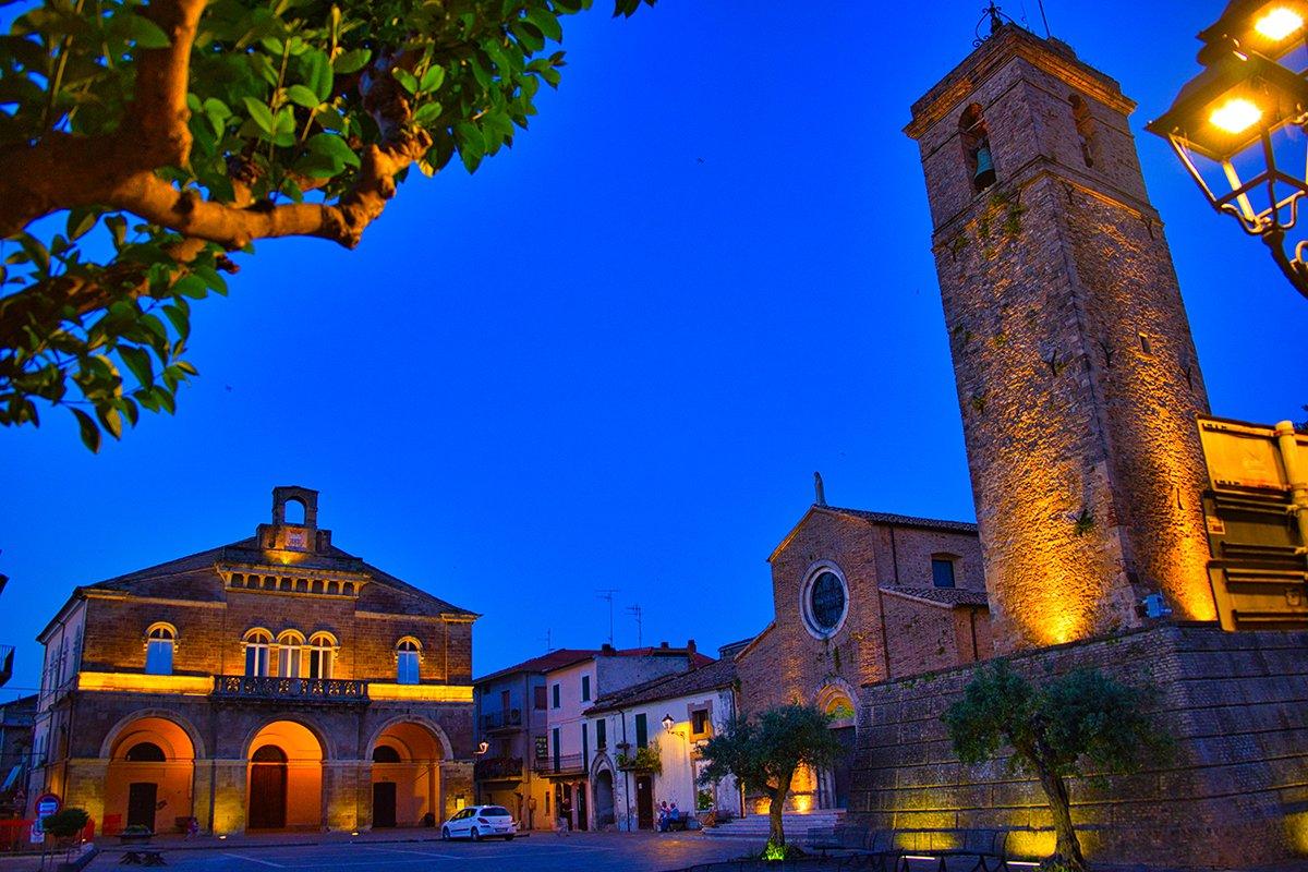 Piazza degli Eroi a Rocca San Giovanni