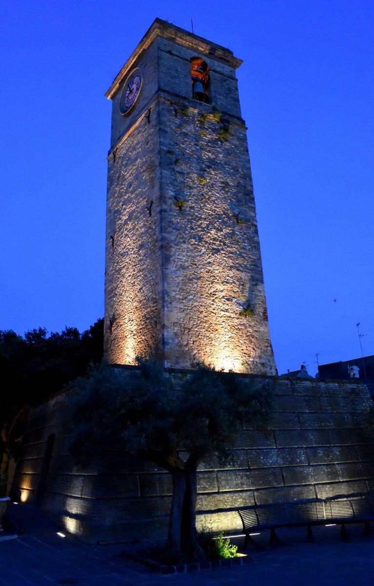 La torre campanaria di Rocca San Giovanni