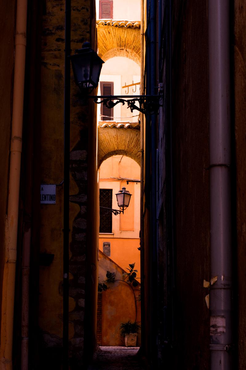 Scorcio del borgo di Terracina