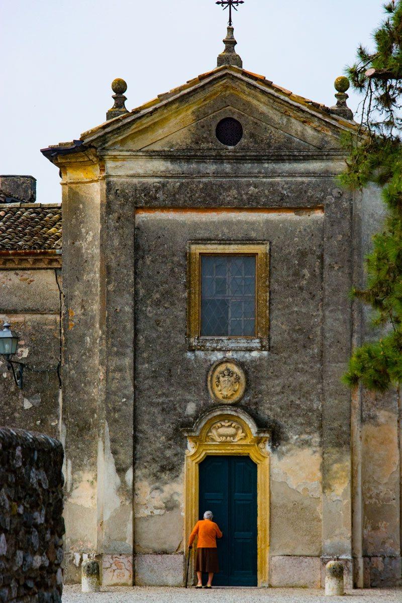 La chiesa di San Giovanni a Castellaro Lagusello