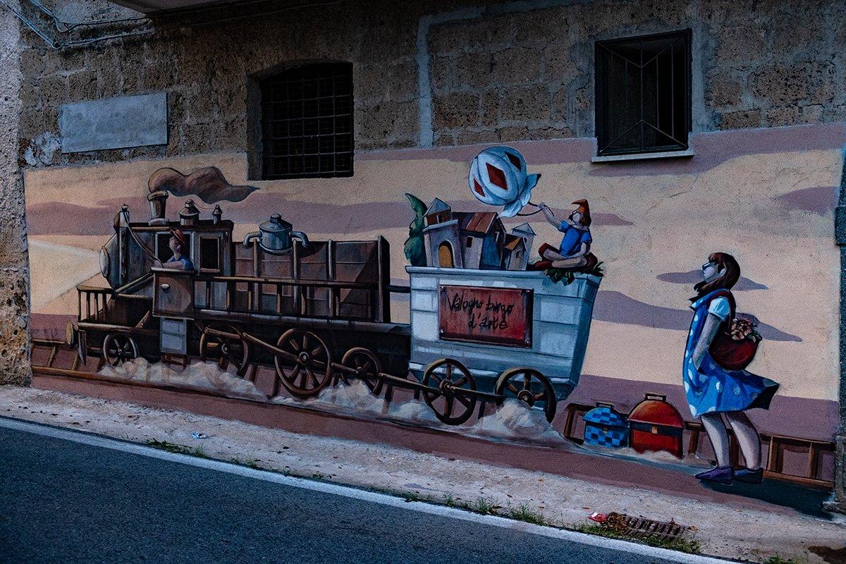 Il murales del treno a Valogno