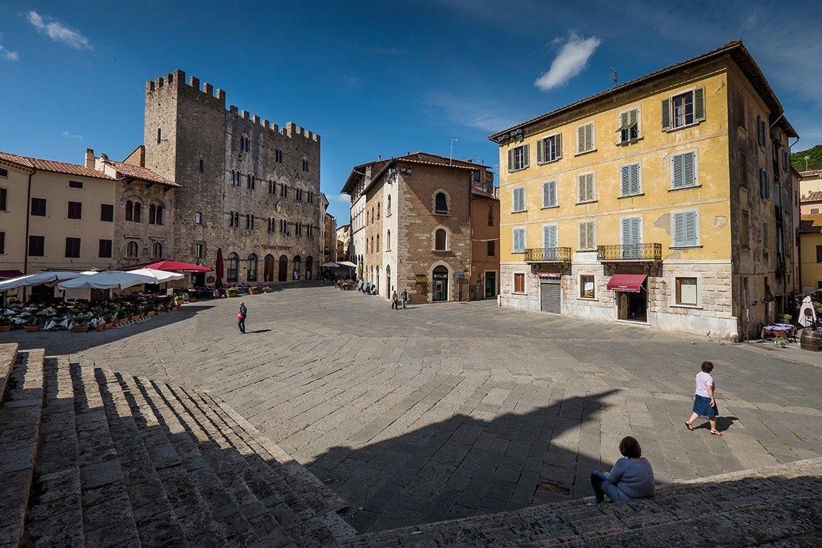 Piazza Garibaldi Massa Marittima