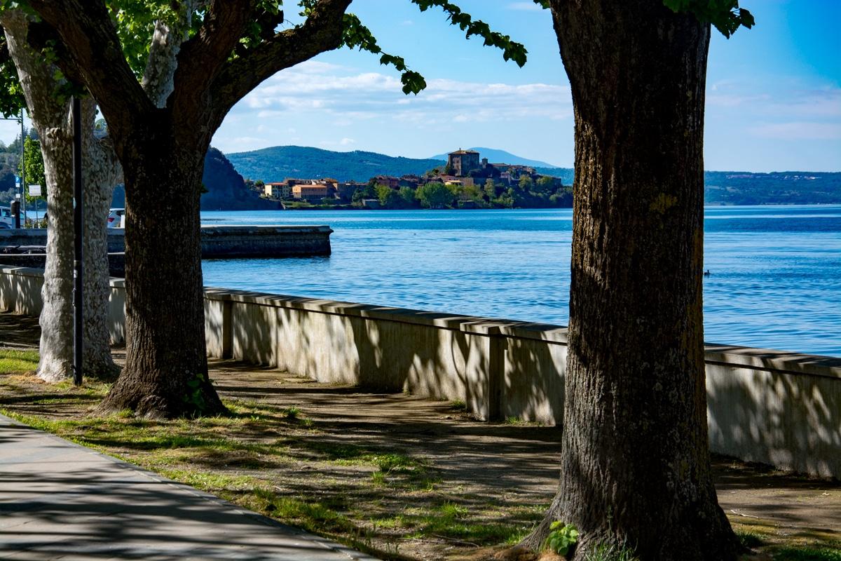Lungolago di Marta lago Bolsena