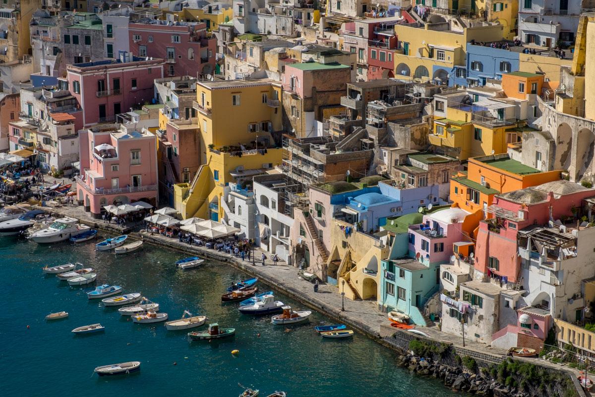 Dettagli case Marina Corricella