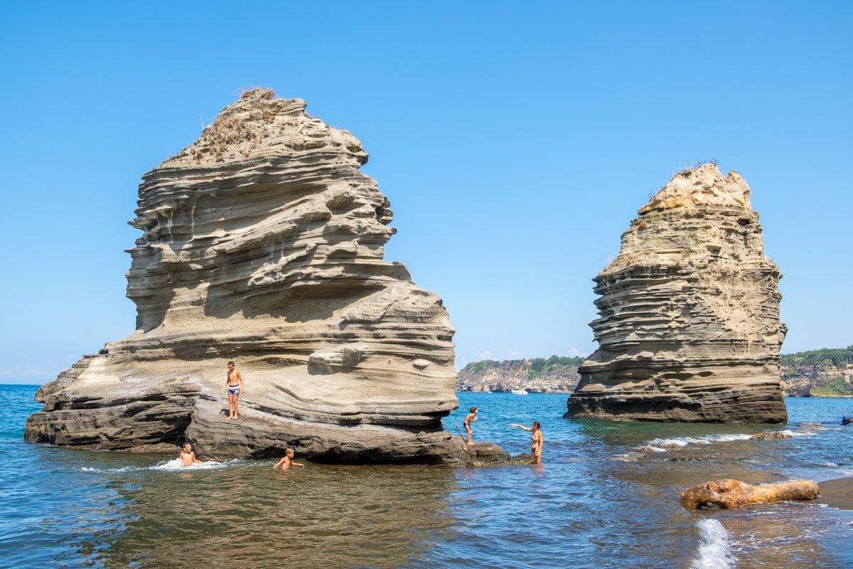 Spiaggia della Chiaiolella-Procida