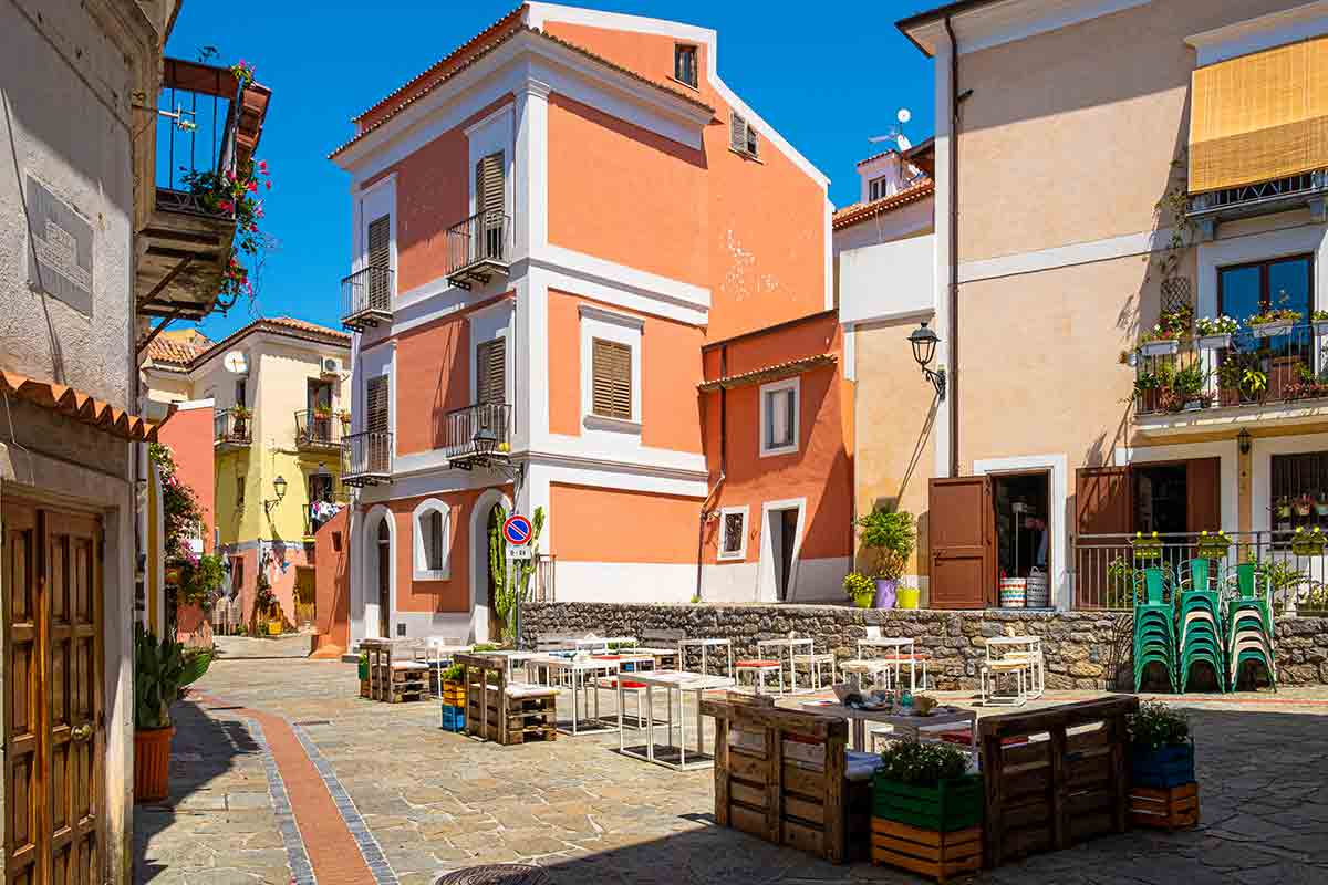 San Nicola Arcella - piazza