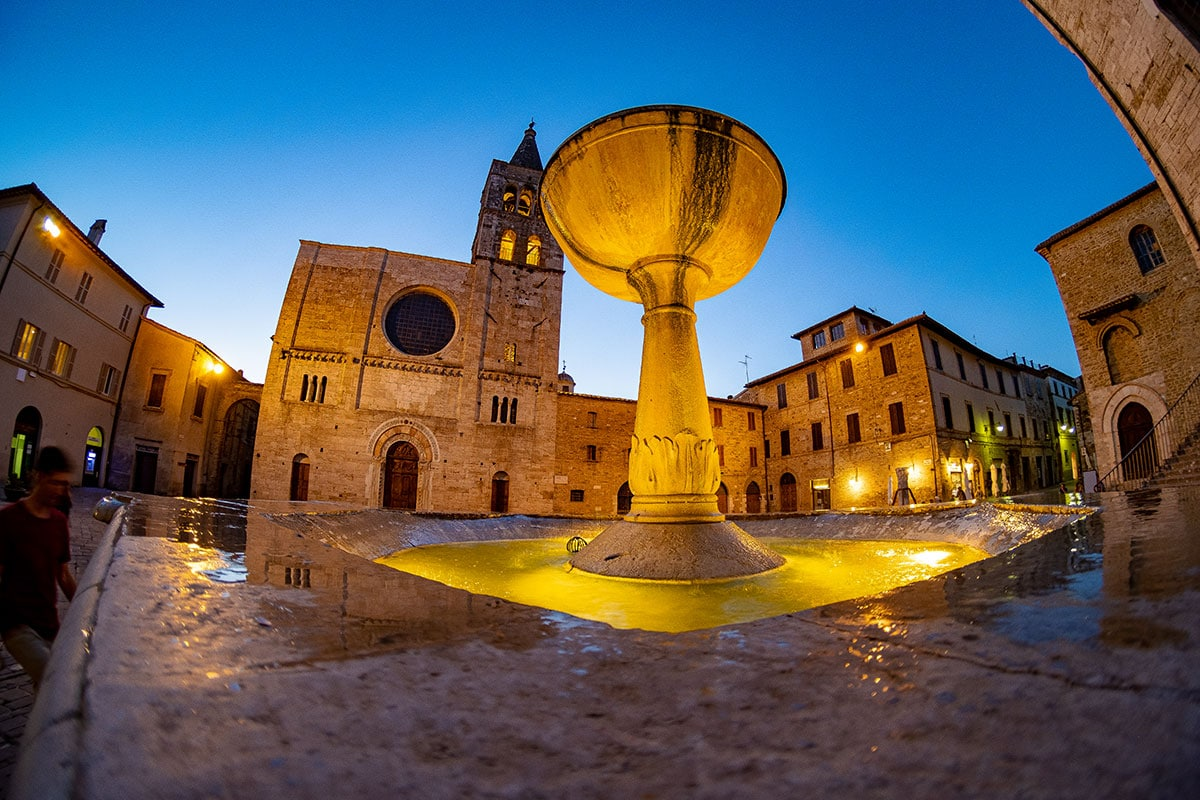 Fontana monumentale Bevagna