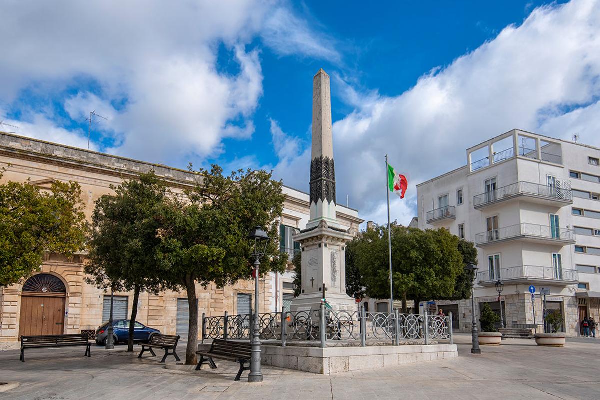 Piazza del Popolo Alberobello